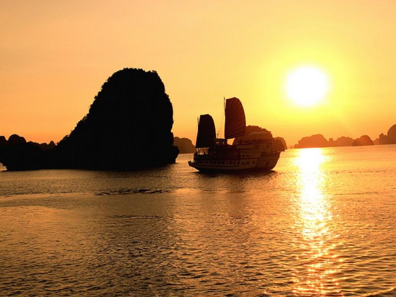 Tour ghép đoàn Hà Nội Hạ Long 2 ngày 1 đêm